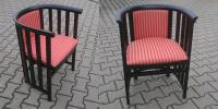 Klassischer Armlehnstuhl mit Vollbogen-Armlehne